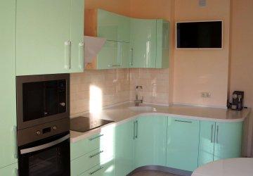 Фото статьи Зелёная «Мятная» кухня с фасадами эмаль глянец