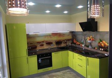 Фото статьи Салатовая угловая кухня — яркий дизайн, реальные фото