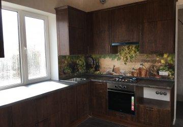 Фото статьи Классическая кухня с нарядной стеновой панелью