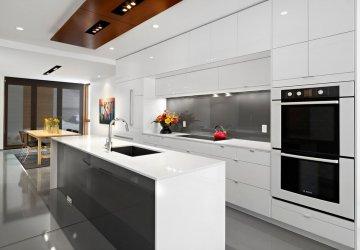 Фото статьи Белая глянцевая кухня