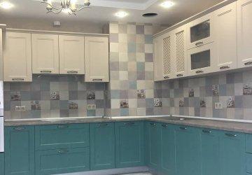 Фото статьи Кухня классика с зелеными изумрудными фасадами