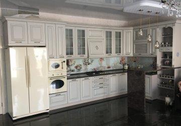 Фото статьи Классическая кухня с фасадами цвета кашемир
