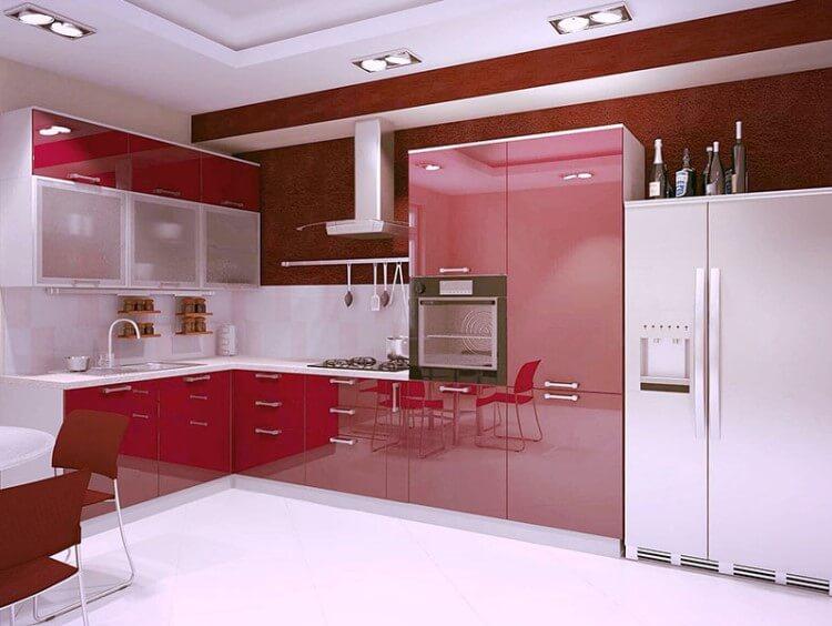 Фото встроенной кухни в красном цвете