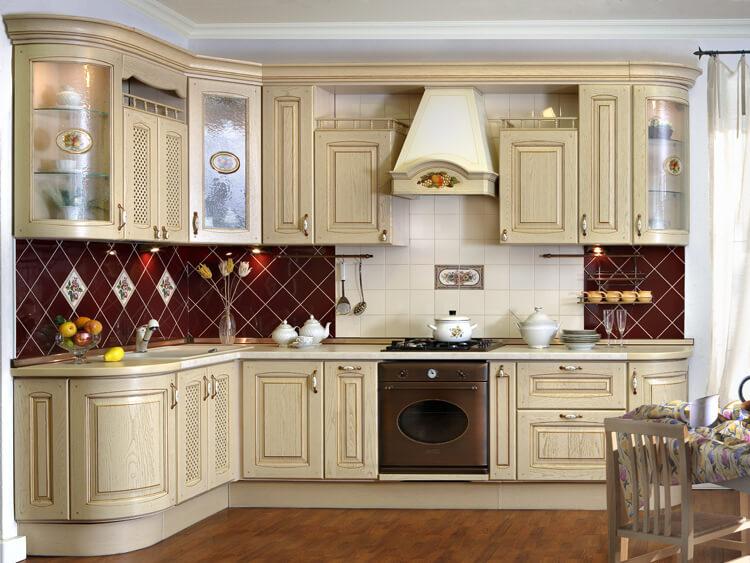Фото угловой кухни в классичесокм стиле
