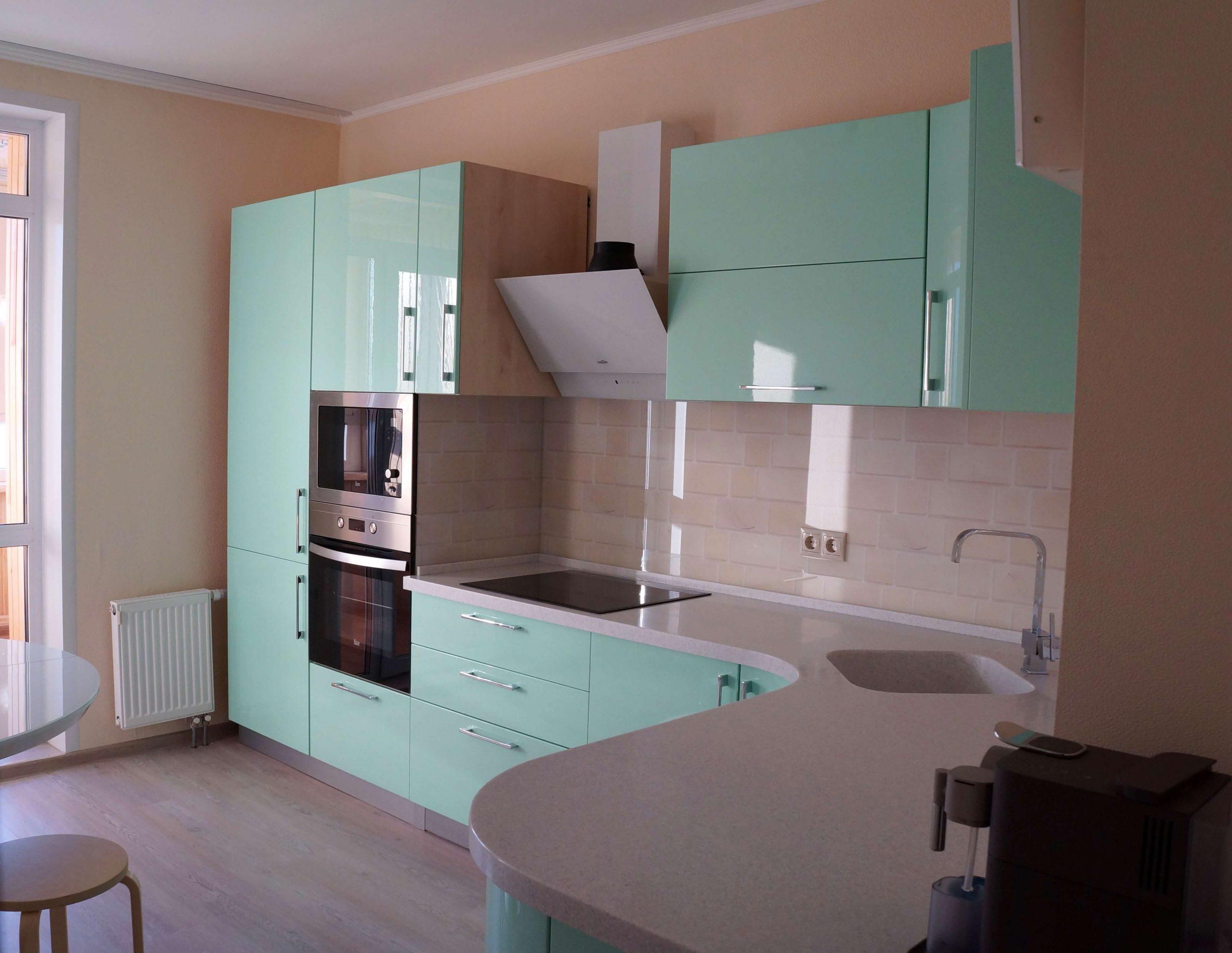 Первое фото Зелёная «Мятная» кухня с фасадами эмаль глянец