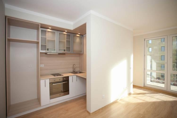 Фото кухни ниши с раздельной перегородкой