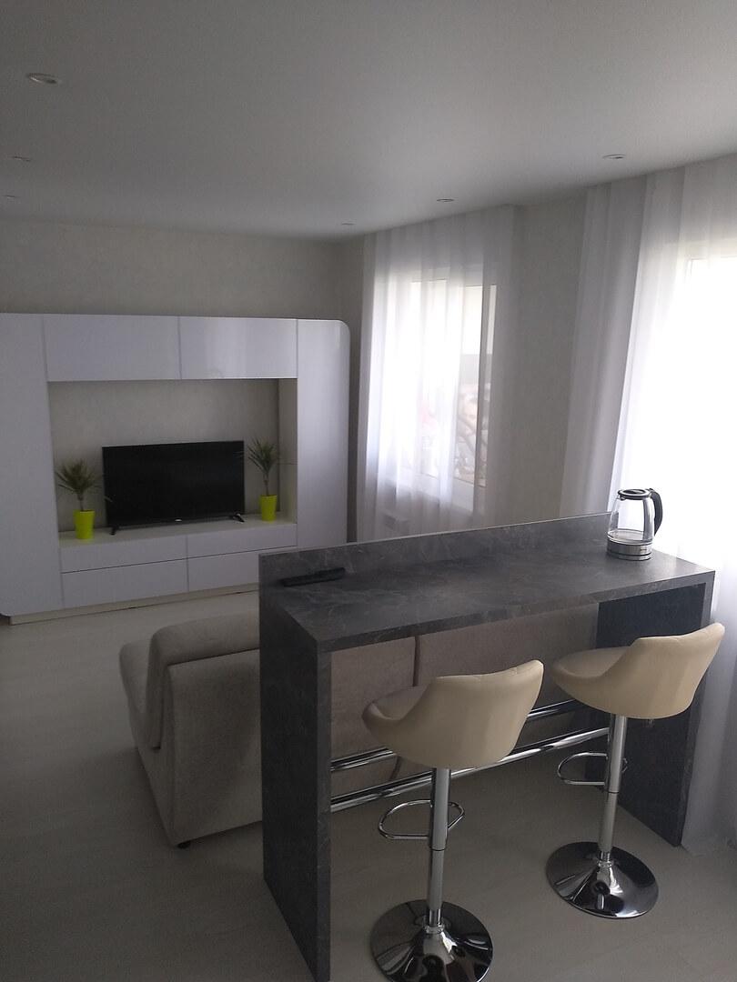 Третье фото Маленькая прямая кухня с фасадами «AGT» (МДФ+ПВХ+ЛАК)
