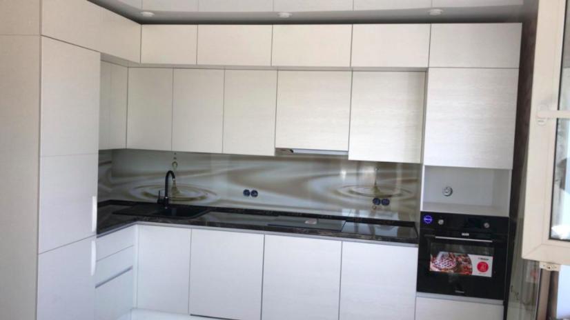 Фото Кухня — столовая с барной стойкой и зоной ТВ — отзывы Али
