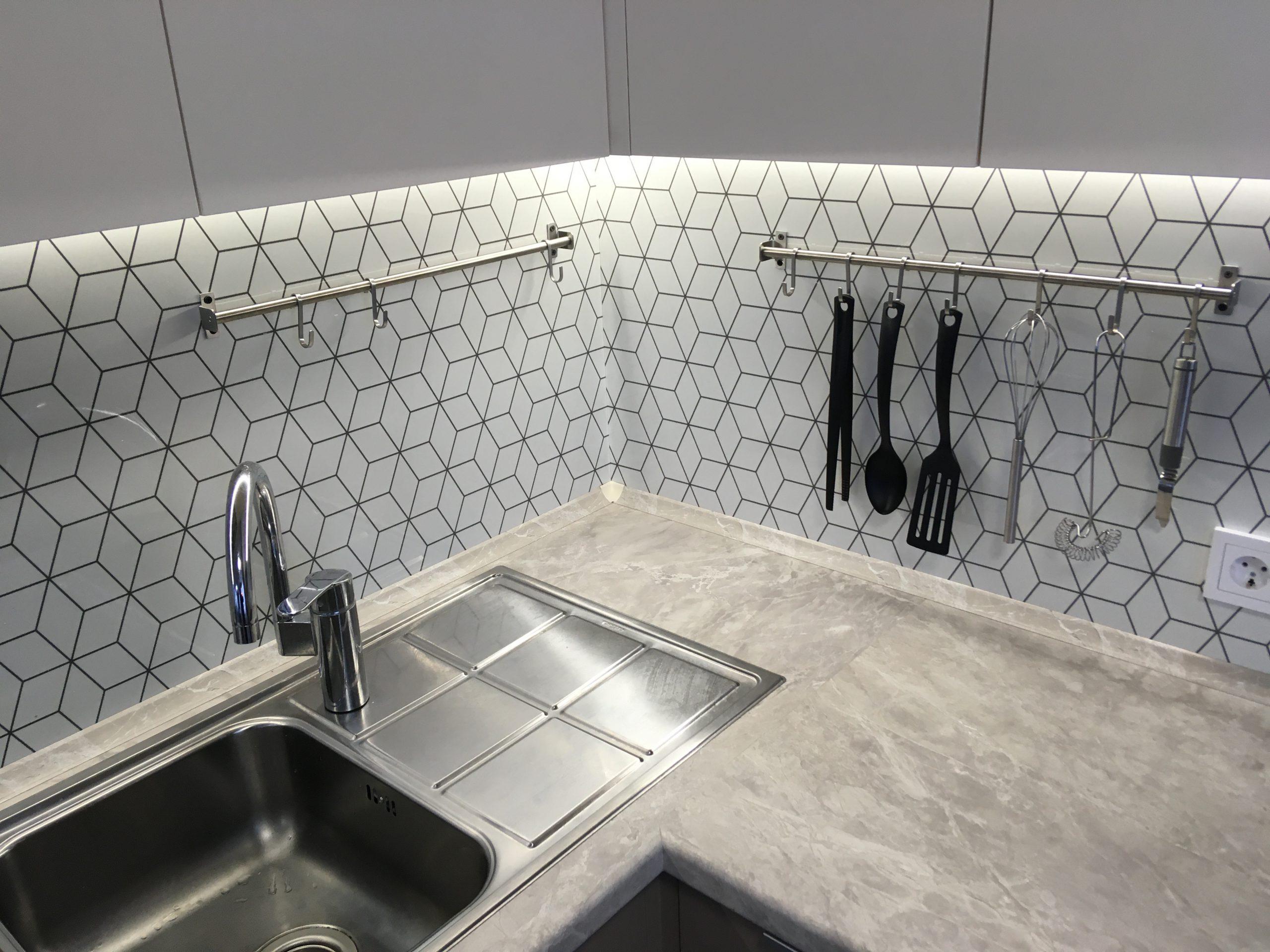 Первое фото Бело кофейная кухня с матовыми фасадами АГТ (Турция) и ПВХ